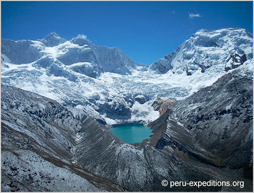 Peru: Trekking Quilcayhuanca via Huapi Pass (5020 m) to Valley Cojub